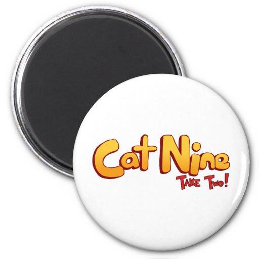 Logotipo del gato nueve imán redondo 5 cm