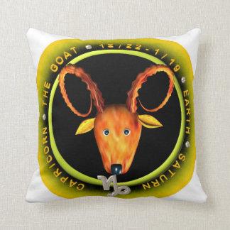 Logotipo del zodiaco del Capricornio de Valxart Almohada