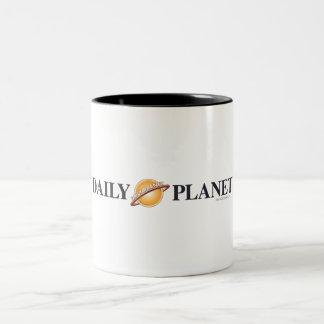 Logotipo diario del planeta taza de café de dos colores