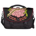 Logotipo divertido de la universidad del zombi bolsa de ordenador