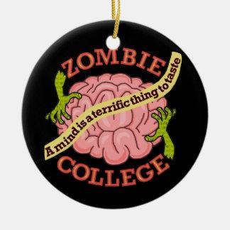 Logotipo divertido de la universidad del zombi adorno redondo de cerámica