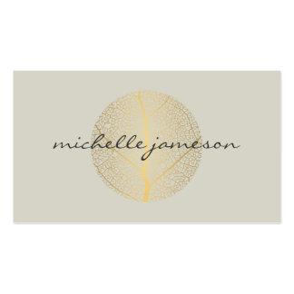 Logotipo elegante de la hoja de oro en moreno tarjetas de visita