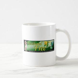 Logotipo emplumado y libre taza clásica