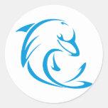 Logotipo fresco de la camiseta de los delfínes de pegatina redonda