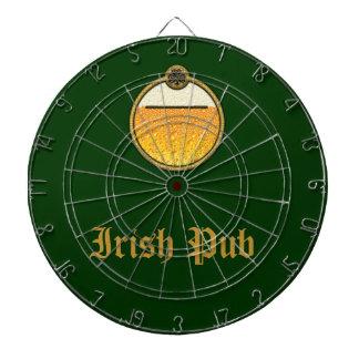 Logotipo irlandés elegante de la cerveza del Pub Tabla Dardos