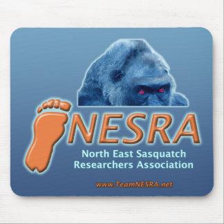 Logotipo Mousepad de NESRA con la criatura Alfombrillas De Ratones