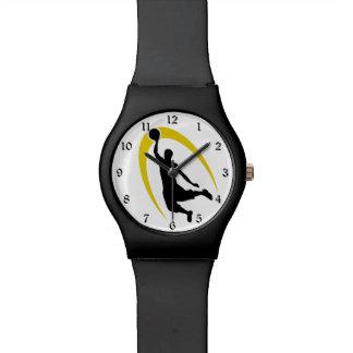 Logotipo negro del baloncesto del oro reloj