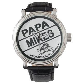 Logotipo negro desigual hecho en casa de los relojes de mano