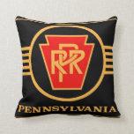 Logotipo, negro y oro del ferrocarril de Pennsylva Almohadas
