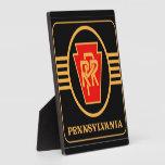 Logotipo, negro y oro del ferrocarril de Pennsylva Placas De Madera