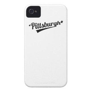 Logotipo retro de Pittsburgh iPhone 4 Case-Mate Protectores