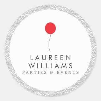 Logotipo rojo del globo personalizado alrededor de pegatina redonda