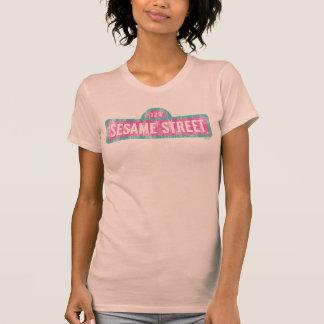 Logotipo rosado de la muestra del Sesame Street Remeras