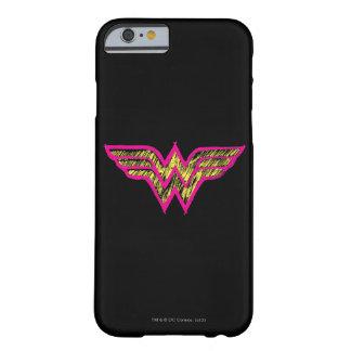Logotipo rosado de la Mujer Maravilla y amarillo Funda Para iPhone 6 Barely There