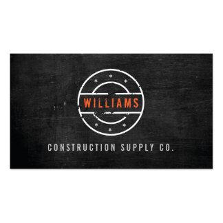 Logotipo sellado rústico en la construcción de mad tarjetas de visita