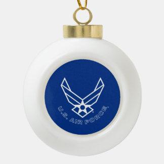 Logotipo y nombre azules de la fuerza aérea con el adorno de cerámica en forma de bola