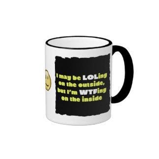 LOLing en la taza de café exterior