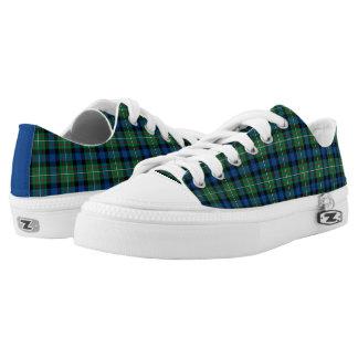 Lona del tartán del azul real y del verde de la zapatillas