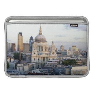 London 5 MacBook sleeve
