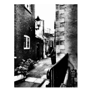 -LONDON ALLEYWAY- POSTCARD