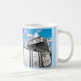 LONDON BILLBOARD (URBAN CHIC PHOTOGRAPH) COFFEE MUG