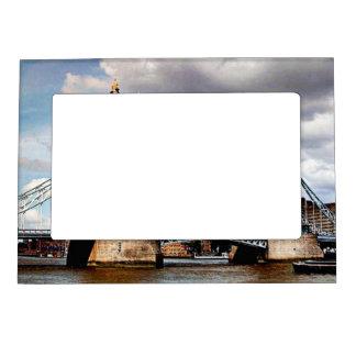 London Bridge Picture Frame Magnet