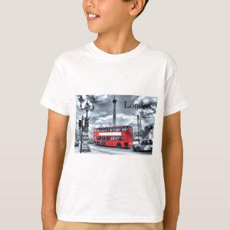 LONDON BUS in Black & White (St.K) T-Shirt