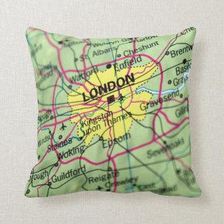 London, England Street Map Throw Pillow