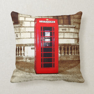London Phone Box (poster edge effect) Pillows