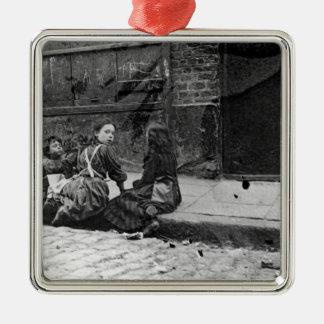 London Slums, Twine Court Metal Ornament