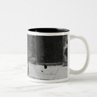 London Slums, Twine Court Two-Tone Coffee Mug