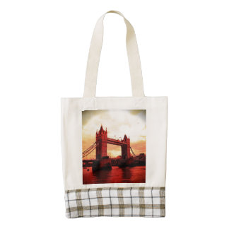london tower bridge red zazzle HEART tote bag
