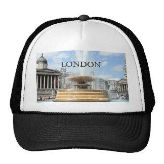 London: Trafalgar Square fountain Trucker Hat