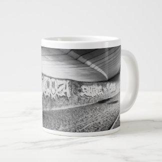 LONDON (URBAN CHIC) Jumbo Mug
