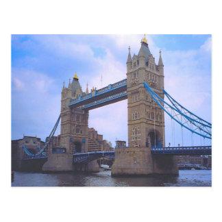 Londres, puente de la torre y el río Támesis Postal