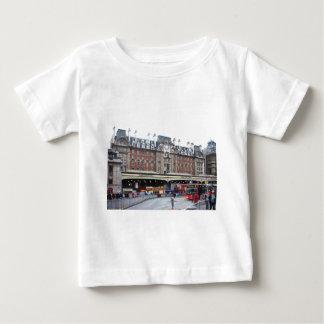 Londres--Victoria--[kan.k] .JPG Playera De Bebé