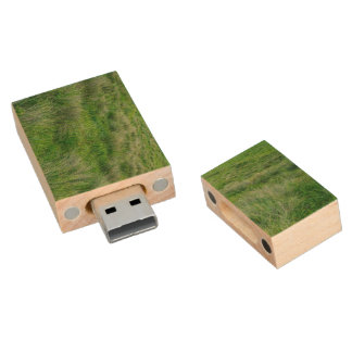 Long grasses in a vast grassland wood USB 2.0 flash drive