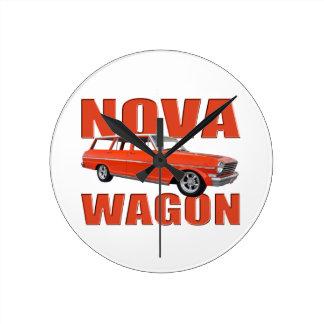 longroof chevy rojo del carro de la Nova 1963 II Reloj Redondo Mediano