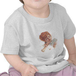 Look forward to your message Rothaarige Frau öffne T-shirts