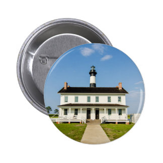 looking at bodie island lighthouse button