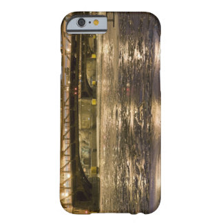 Looking down the frozen Chicago River in Barely There iPhone 6 Case