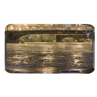 Looking down the frozen Chicago River in Case-Mate iPod Touch Case