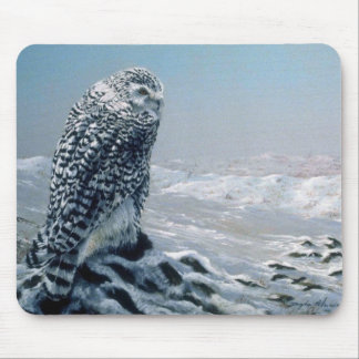 Looking for prey Snowy Owl Mouse Pad