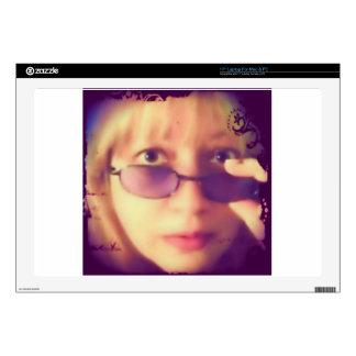 """Looking Susie 17"""" Laptop Skins"""