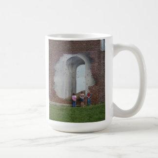 Looking thru the arch mug