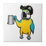 Loro amarillo del pirata del Macaw con una jarra d Azulejo Cerámica