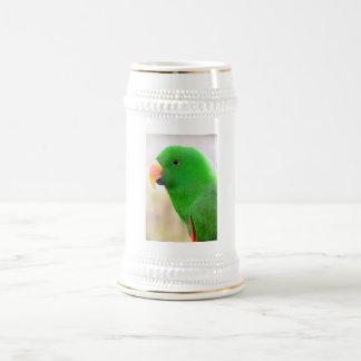 Loro verde jarra de cerveza