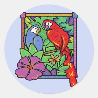 Loro y Macaw en la selva Pegatinas Redondas