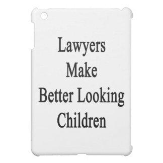 Los abogados hacen a niños más apuestos