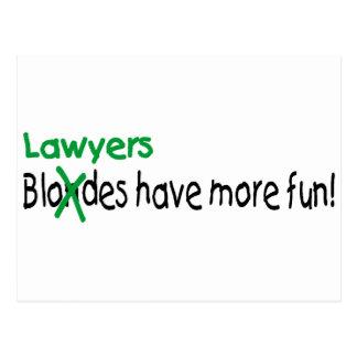 Los abogados se divierten más postal
